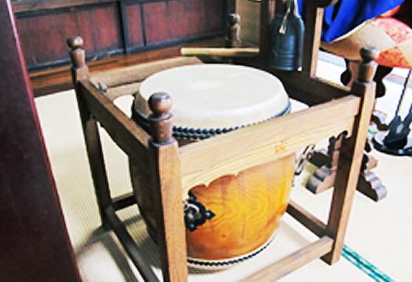 梵唄(ボンバイ)で使われる太鼓