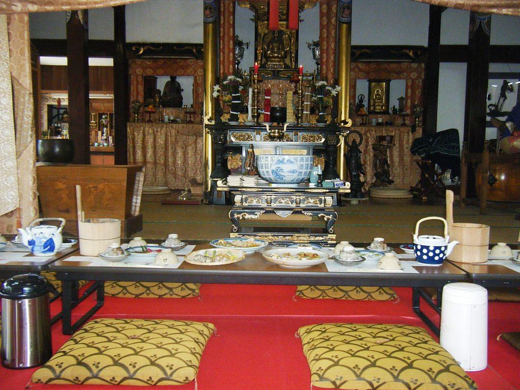 普茶料理と仏壇