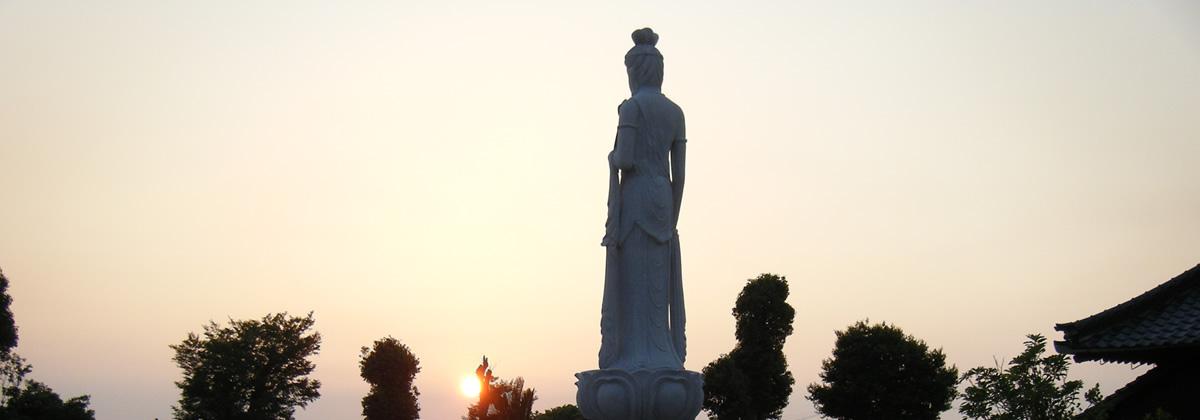 夕方の聖観音像